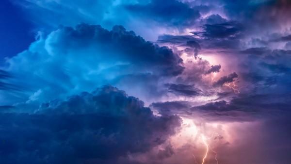 the-midst-of-the-stormThe Midst of the Storm
